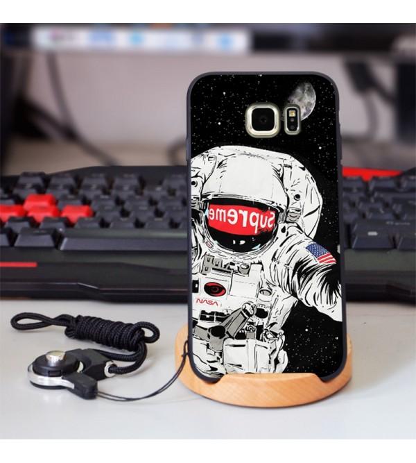 シュプリーム  潮流 Supreme Galaxy A30/S10+ケース IPhone Xs Max/Xrケース  Sony 宇宙人 エクスぺリア1カバー Xperia1 ケース予約 お洒落 ファッション 爆人気ジャケット