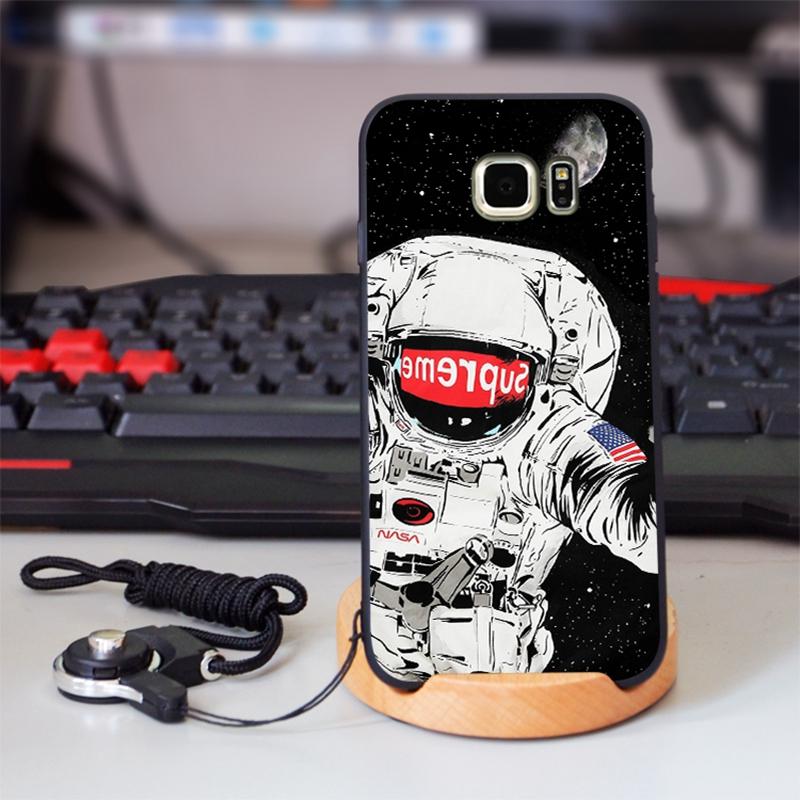 iphone 12ケース シュプリーム  潮流 Supreme Galaxy A30/S10+ケース IPhone Xs Max/Xr/SE2ケース  Sony 宇宙人 エクスぺリア1カバー Xperia1 ケース予約 お洒落 ファッション 爆人気ジャケット