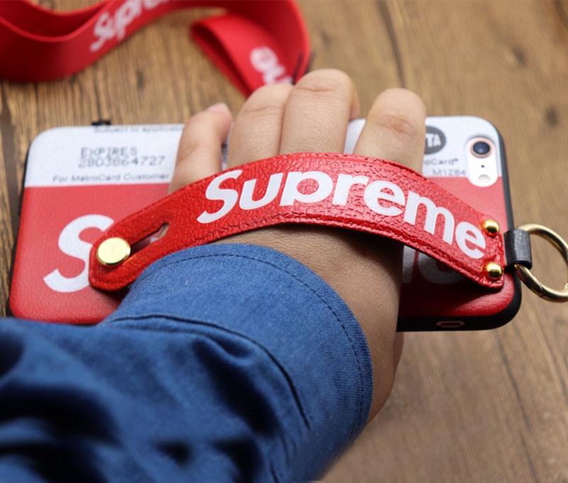 SupremeアイフォンXsケース