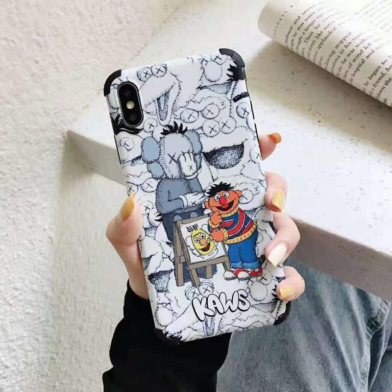 可愛いキャラクター iphone xi/11 pro maxケース kaws