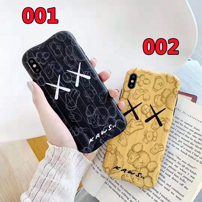iphone xr/xs maxケースkawsキャラクター