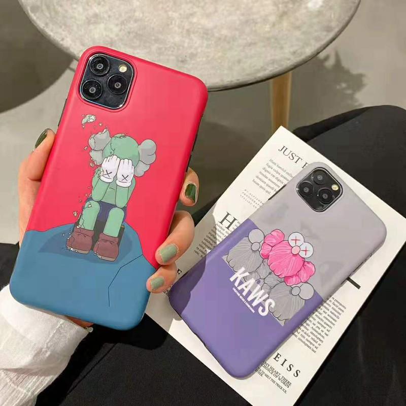 KAWS iphone xr/xs maxケースキャラクター付き